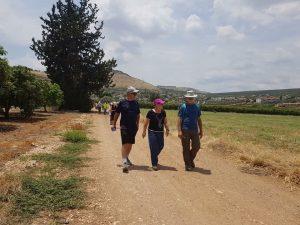 כפרניק sv1-300x225 שביל ישראל עם מרכז קהילתי כפר ורדים