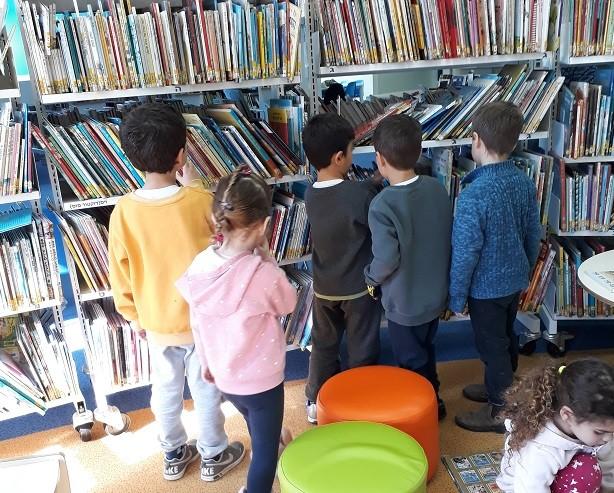 כפרניק 123790 מה קורה  בספריית כפר ורדים