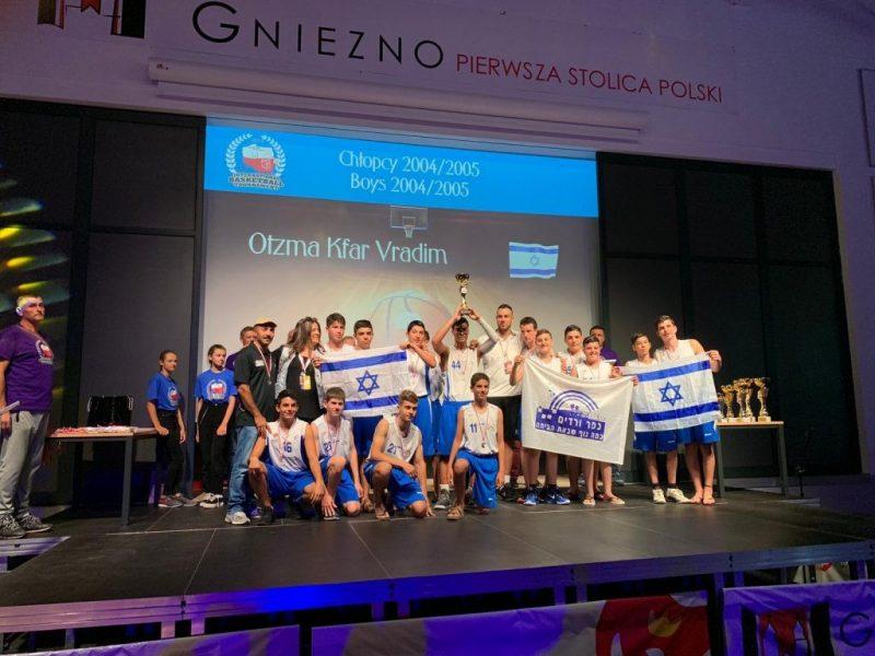 כפרניק 444090 מקום שני בטורניר בפולין