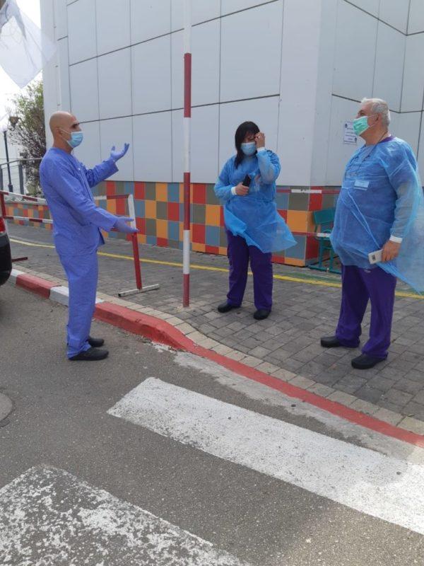 כפרניק WhatsApp-Image-2020-04-16-at-17.25.46-scaled מצדיעים לצוותים הרפואיים