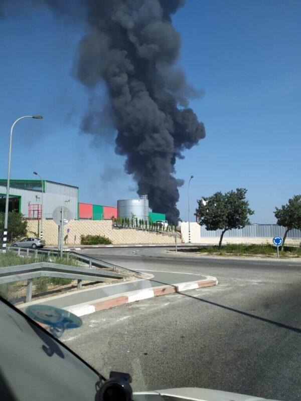 כפרניק WhatsApp-Image-2020-09-27-at-10.24.31-scaled שריפת ענק באזור תעשיה נעמן