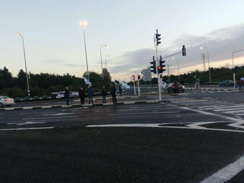כפרניק WhatsApp-Image-2021-01-31-at-09.06.24-1-scaled גם בקור: ממשיכים במחאה