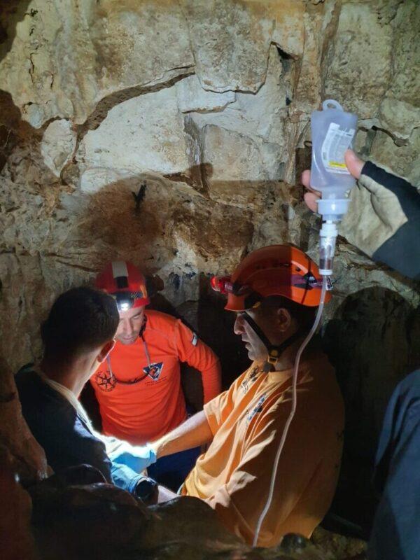 כפרניק WhatsApp-Image-2021-04-22-at-19.01.21-1-scaled חילוץ ממערת נמר
