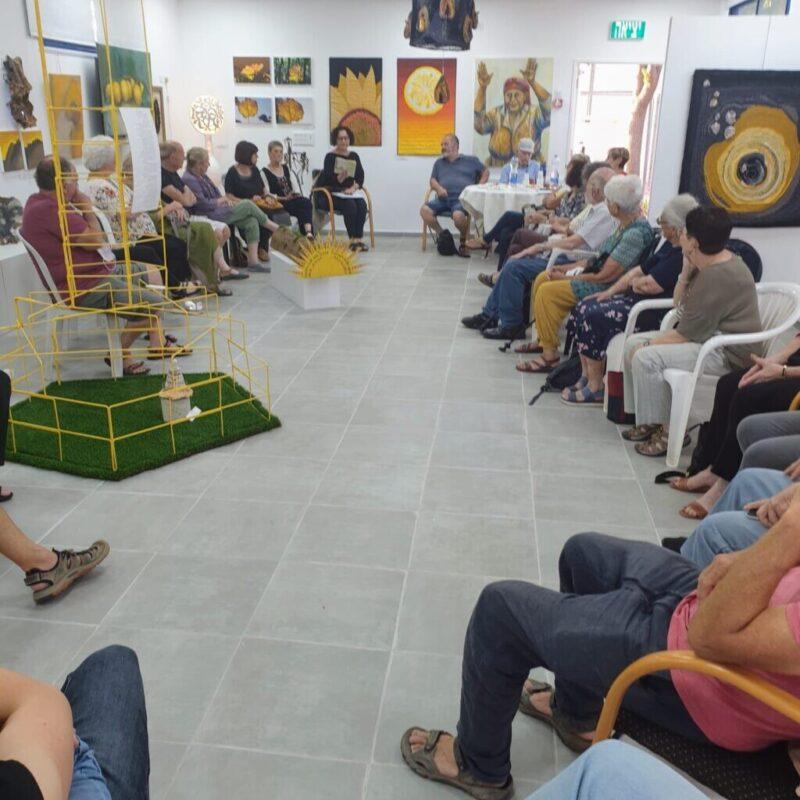 כפרניק WhatsApp-Image-2021-06-14-at-14.59.55-1-scaled שיח גלריה אמני כפר ורדים