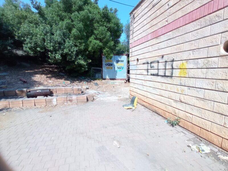 כפרניק IMG_20210806_094856-scaled על לכלוך וחוסר תשומת לב לסביבה בכפר ורדים