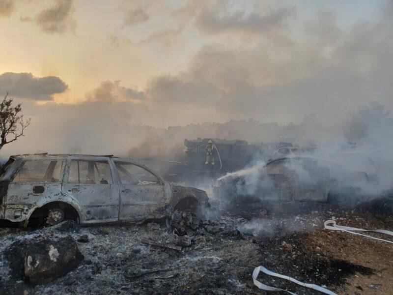 כפרניק WhatsApp-Image-2021-08-07-at-19.14.51-scaled שריפה במגרש רכבים לפירוק