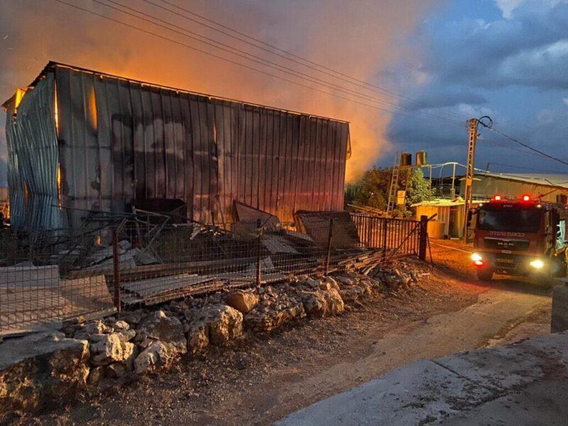 כפרניק WhatsApp-Image-2021-09-23-at-11.42.17-2-scaled עבדון: מתבנים עולים באש